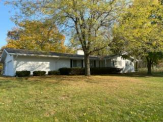 545 Lookout Dr, Pewaukee, Wisconsin 53072, 4 Bedrooms Bedrooms, ,2 BathroomsBathrooms,Single-Family,For Sale,Lookout Dr,1714236