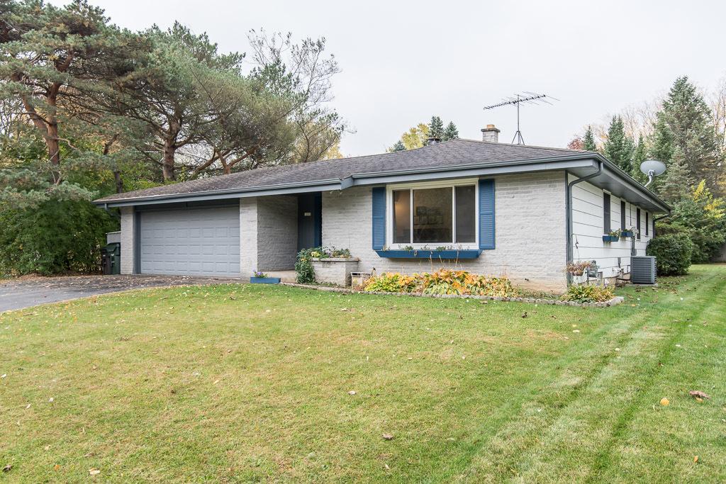 1203 Saratoga Pkwy, Oconomowoc, Wisconsin 53066, 3 Bedrooms Bedrooms, 6 Rooms Rooms,1 BathroomBathrooms,Single-Family,For Sale,Saratoga Pkwy,1714313