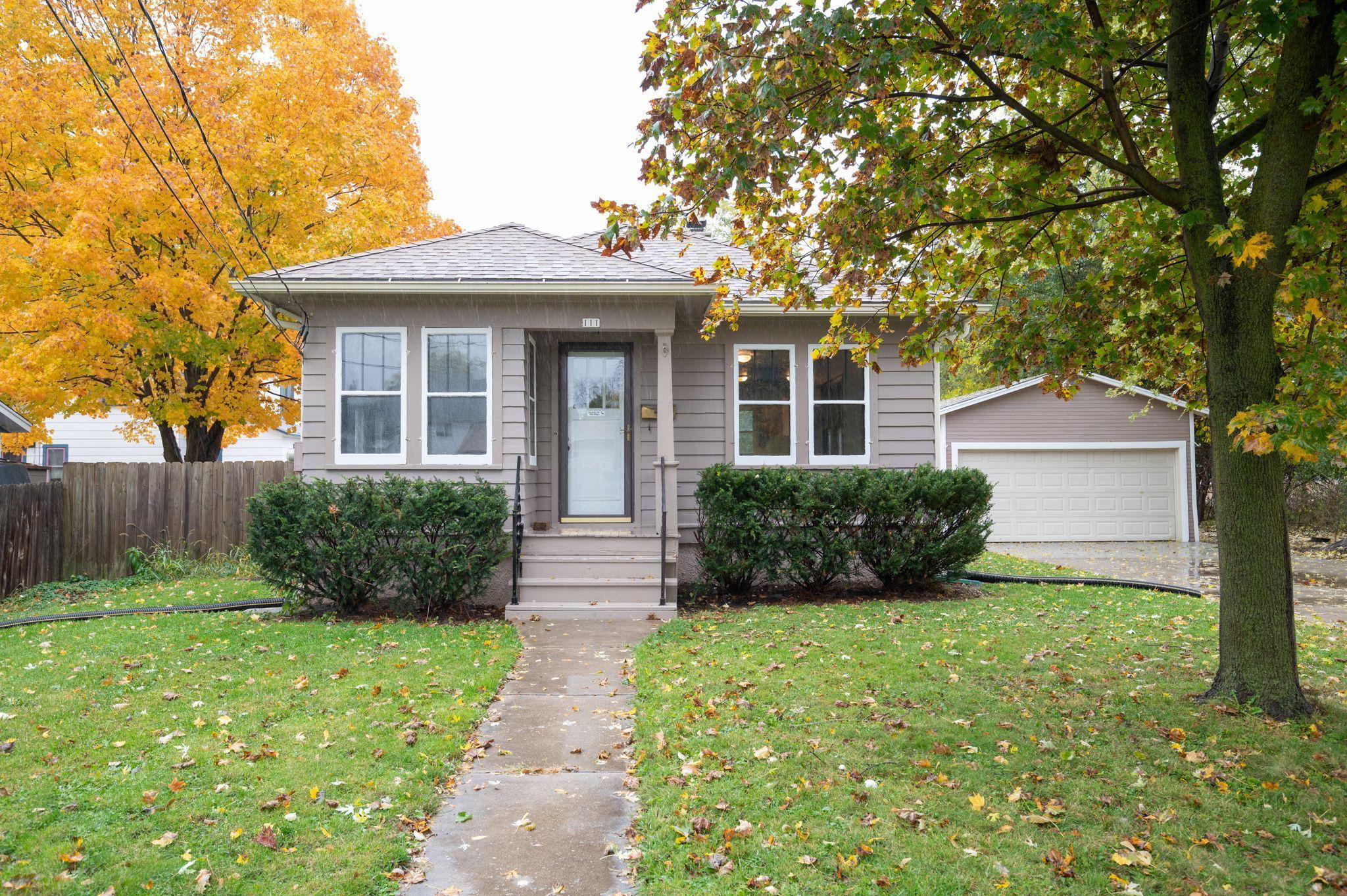 111 Elm St, Oconomowoc, Wisconsin 53066, 1 Bedroom Bedrooms, 6 Rooms Rooms,1 BathroomBathrooms,Single-Family,For Sale,Elm St,1714452