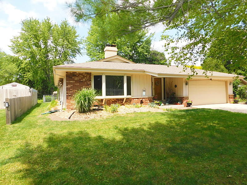 1104 Hilger Rd, Hartland, Wisconsin 53029, 3 Bedrooms Bedrooms, 8 Rooms Rooms,2 BathroomsBathrooms,Single-Family,For Sale,Hilger Rd,1714994