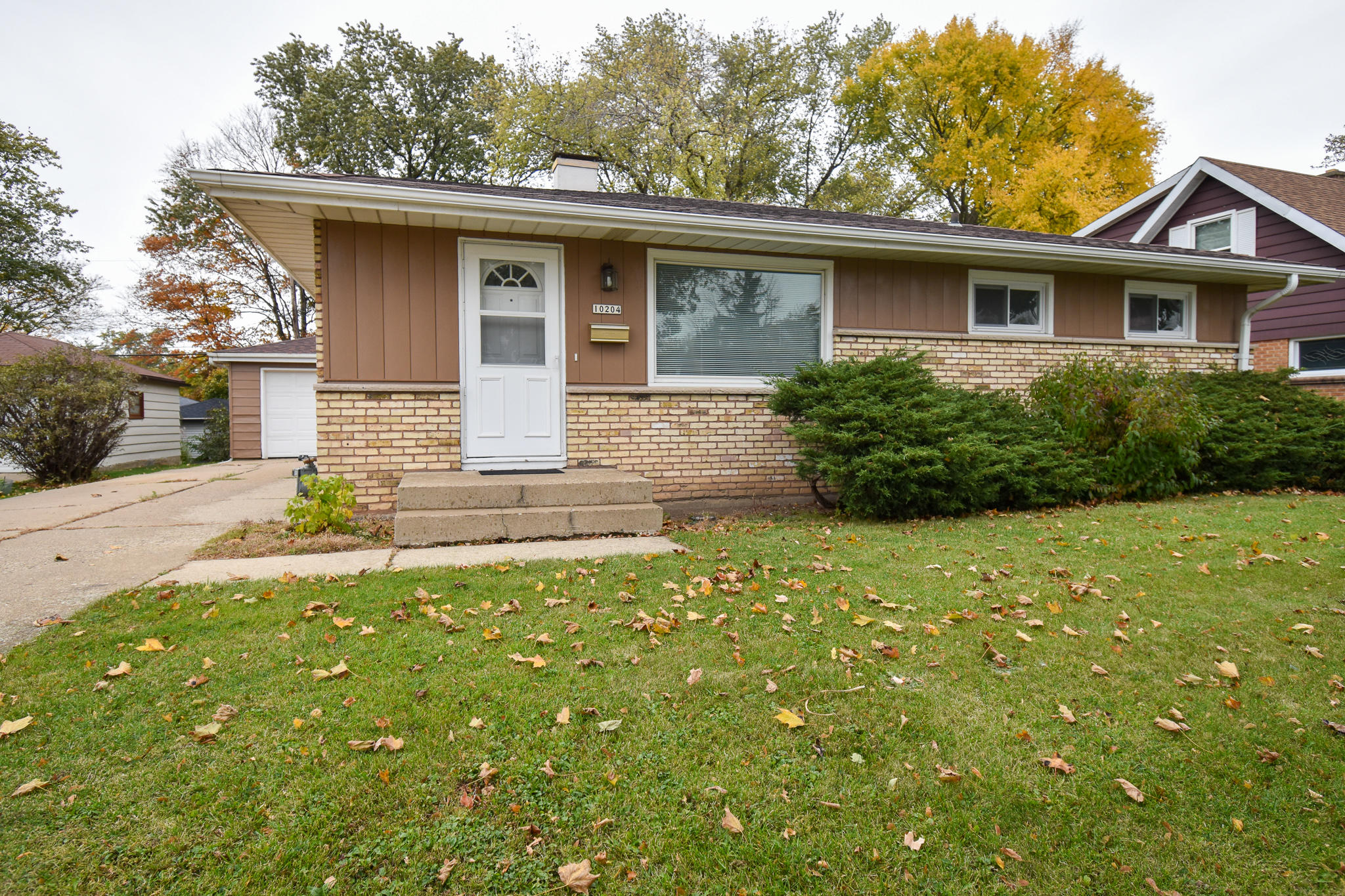 10204 Oklahoma Ave, West Allis, Wisconsin 53227, 3 Bedrooms Bedrooms, ,2 BathroomsBathrooms,Single-Family,For Sale,Oklahoma Ave,1715567