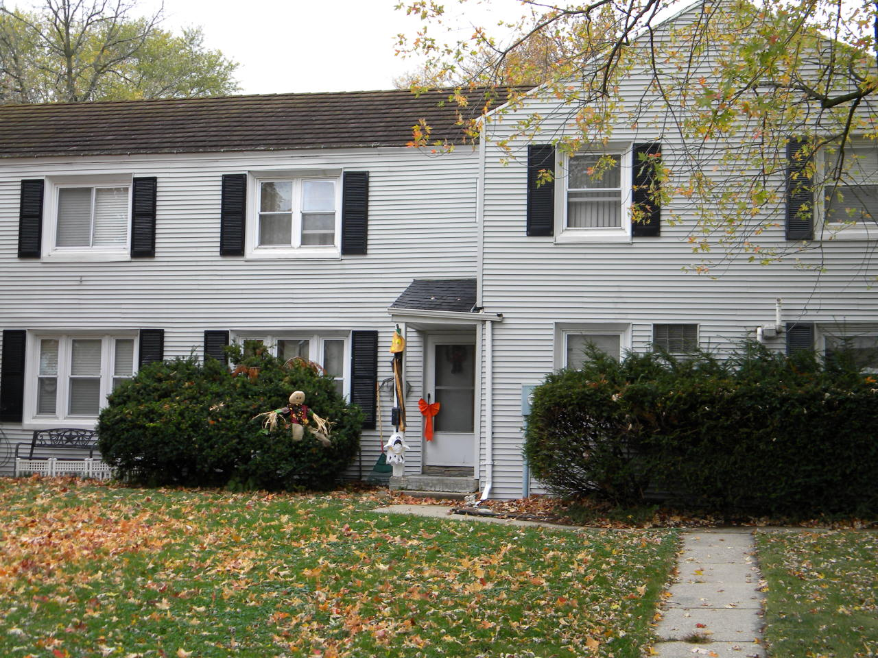 5911 Dendron Ln, Greendale, Wisconsin 53129, 2 Bedrooms Bedrooms, 6 Rooms Rooms,1 BathroomBathrooms,Single-Family,For Sale,Dendron Ln,1715560
