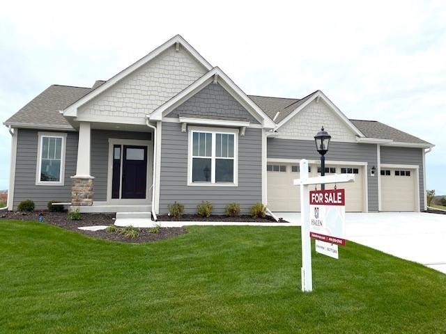 1398 Overlook Cir, Hartland, Wisconsin 53029, 2 Bedrooms Bedrooms, ,2 BathroomsBathrooms,Condominiums,For Sale,Overlook Cir,1,1716818