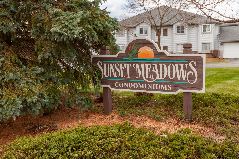 831 Quinlan Dr, Pewaukee, Wisconsin 53072, 2 Bedrooms Bedrooms, 5 Rooms Rooms,2 BathroomsBathrooms,Condominiums,For Sale,Quinlan Dr,2,1721920