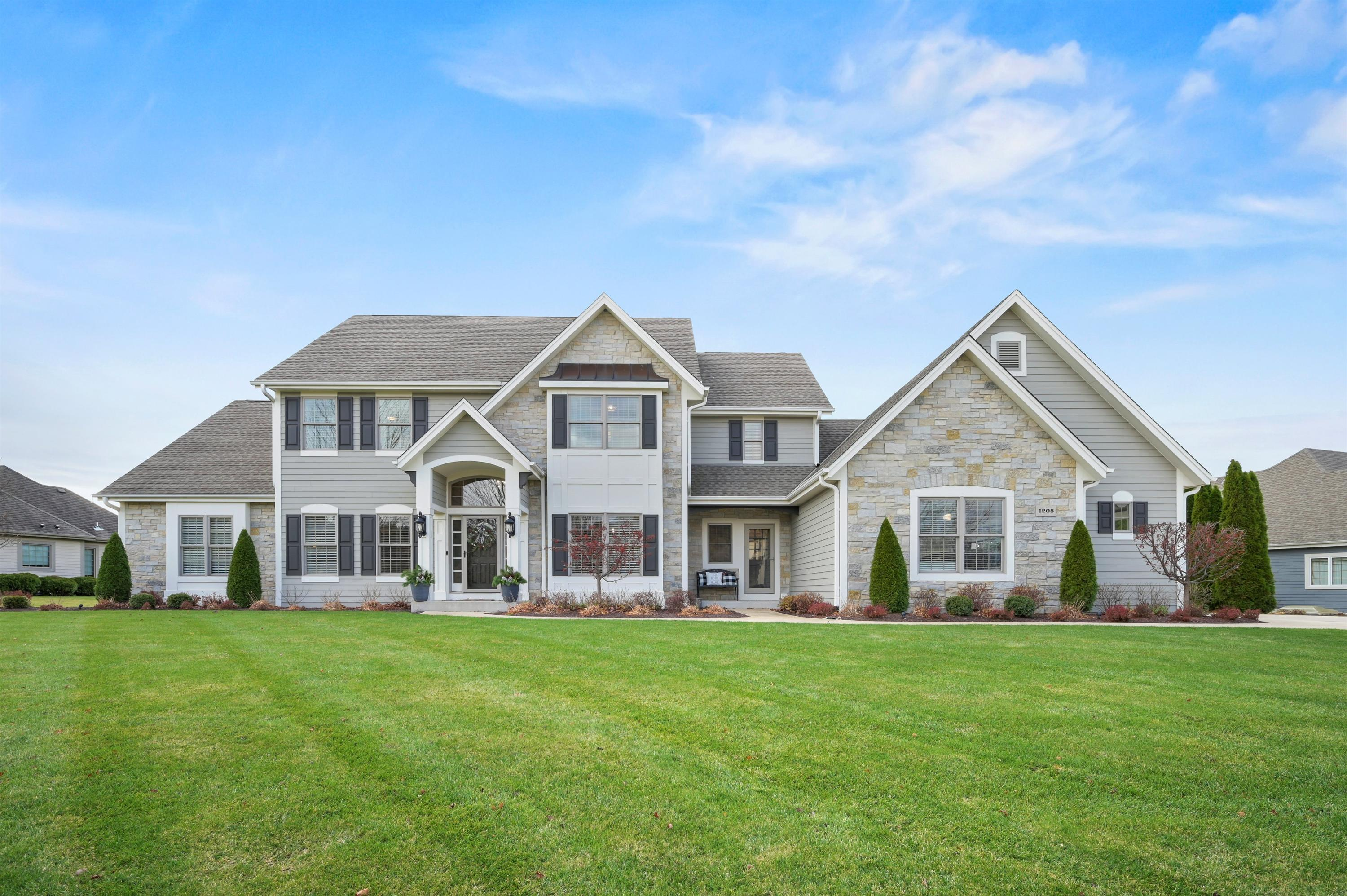 1205 Four Winds Way, Hartland, Wisconsin 53029, 5 Bedrooms Bedrooms, 12 Rooms Rooms,4 BathroomsBathrooms,Single-Family,For Sale,Four Winds Way,1719068