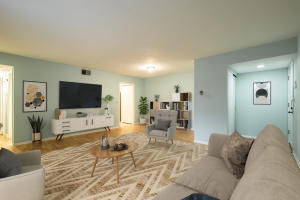 3942 N Oakland Ave #239