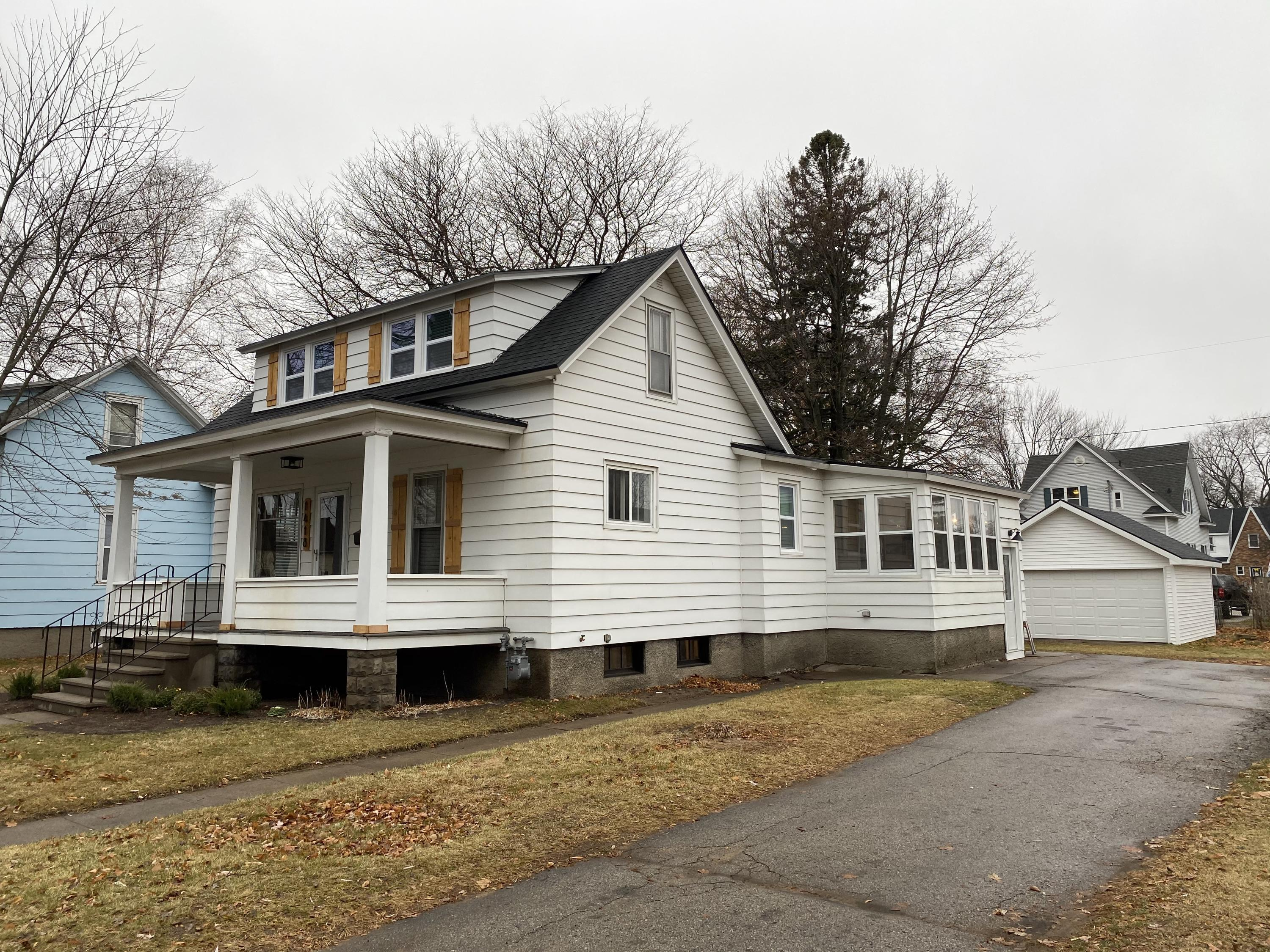 1418 Mary St, Marinette, Wisconsin 54143, 2 Bedrooms Bedrooms, ,1 BathroomBathrooms,Single-Family,For Sale,Mary St,1719889