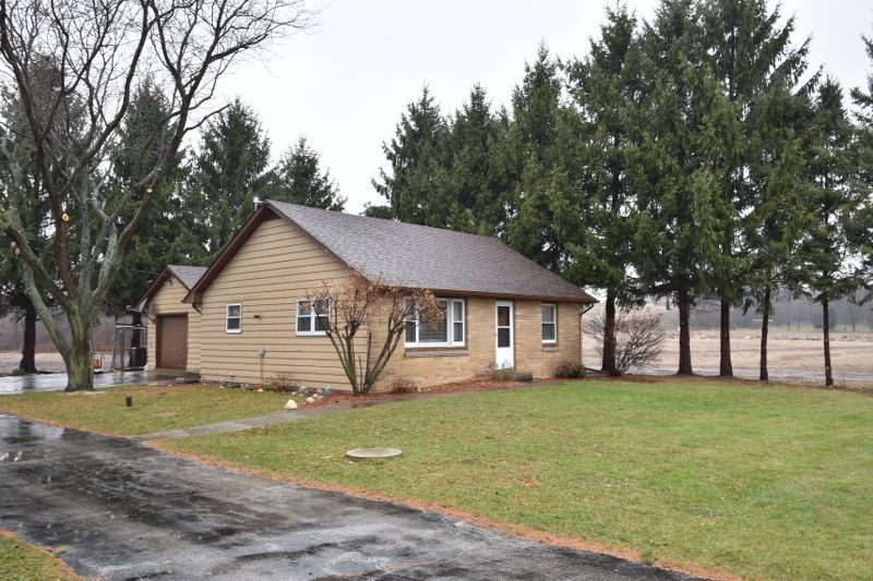 3424 Buena Park Rd, Waterford, Wisconsin 53105, 2 Bedrooms Bedrooms, 6 Rooms Rooms,1 BathroomBathrooms,Single-Family,For Sale,Buena Park Rd,1719863