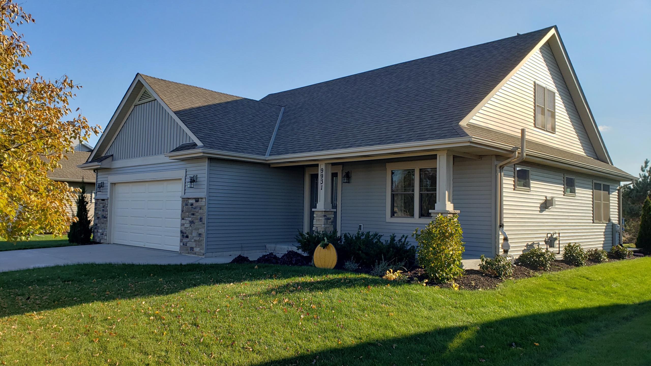 9931 Prairie Crossing Dr, Caledonia, Wisconsin 53126, 3 Bedrooms Bedrooms, ,2 BathroomsBathrooms,Single-Family,For Sale,Prairie Crossing Dr,1719915