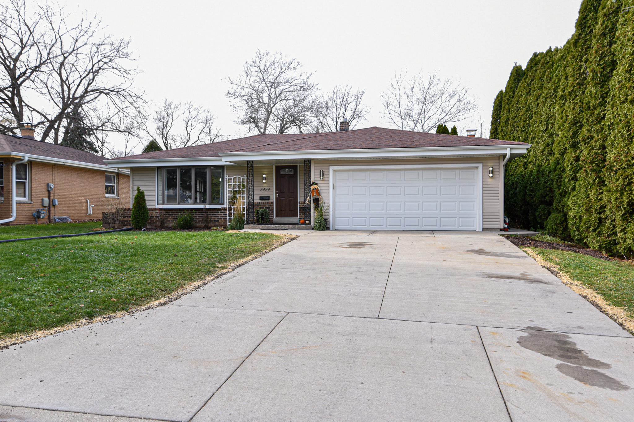 3929 41st St, Greenfield, Wisconsin 53221, 3 Bedrooms Bedrooms, 7 Rooms Rooms,1 BathroomBathrooms,Single-Family,For Sale,41st St,1719917