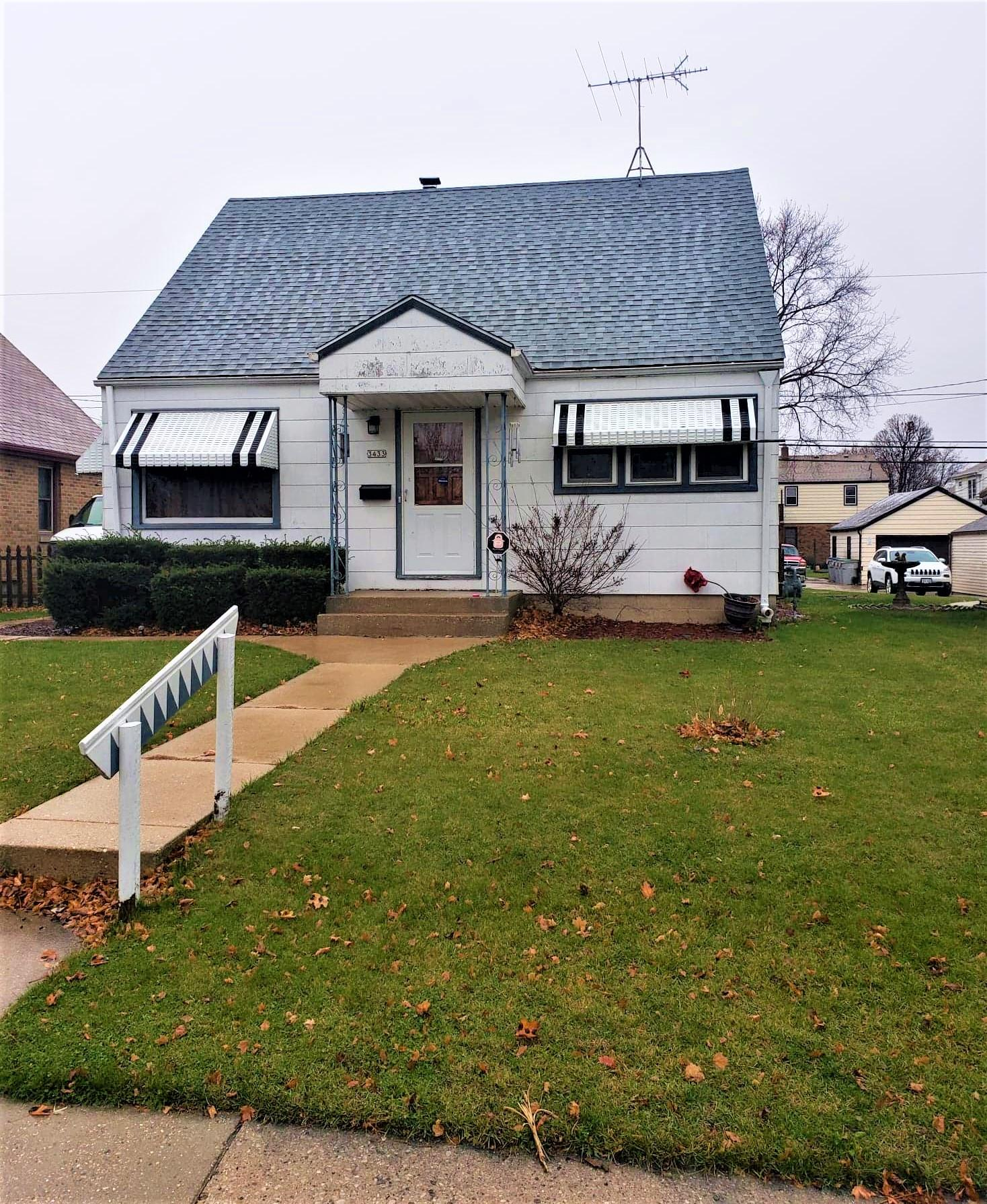 3433 19th, Milwaukee, Wisconsin 53215, 2 Bedrooms Bedrooms, 4 Rooms Rooms,1 BathroomBathrooms,Single-Family,For Sale,19th,1719921