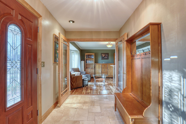 1390 Lexington Ct, Brookfield, Wisconsin 53045, 4 Bedrooms Bedrooms, 8 Rooms Rooms,3 BathroomsBathrooms,Single-Family,For Sale,Lexington Ct,1720242