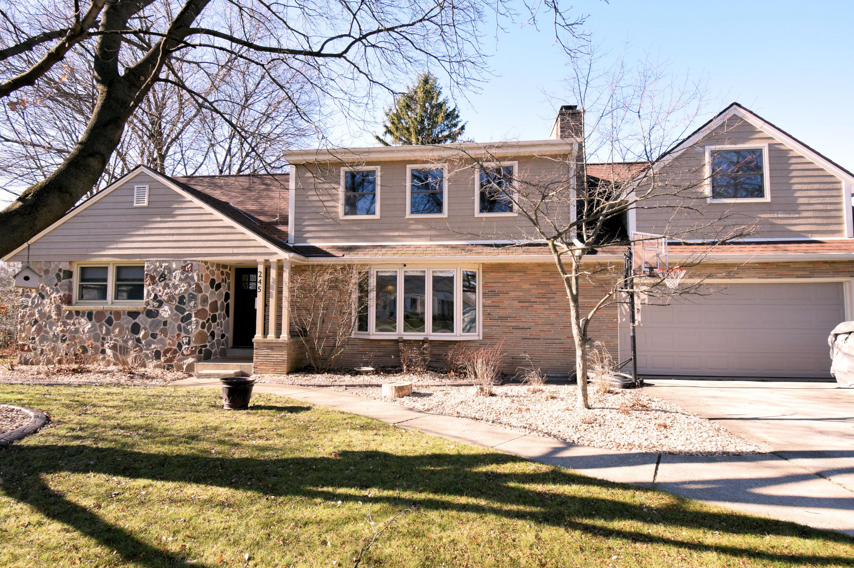 245 Elmridge Ave, Brookfield, Wisconsin 53005, 4 Bedrooms Bedrooms, 8 Rooms Rooms,2 BathroomsBathrooms,Single-Family,For Sale,Elmridge Ave,1720285