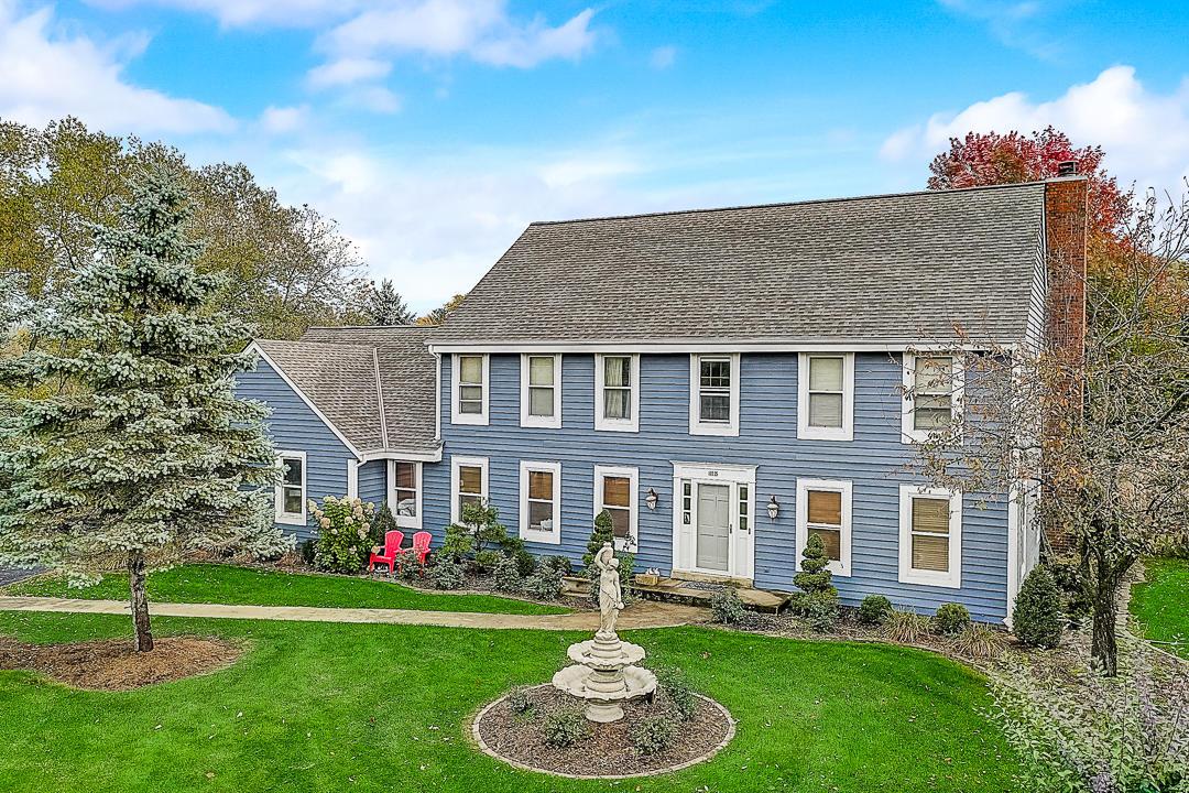 16525 Brehon Ln, Brookfield, Wisconsin 53005, 5 Bedrooms Bedrooms, 11 Rooms Rooms,3 BathroomsBathrooms,Single-Family,For Sale,Brehon Ln,1720658