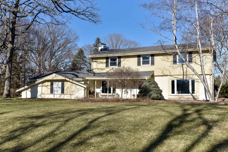 17720 Redvere Dr, Brookfield, Wisconsin 53045, 4 Bedrooms Bedrooms, 9 Rooms Rooms,2 BathroomsBathrooms,Single-Family,For Sale,Redvere Dr,1720689