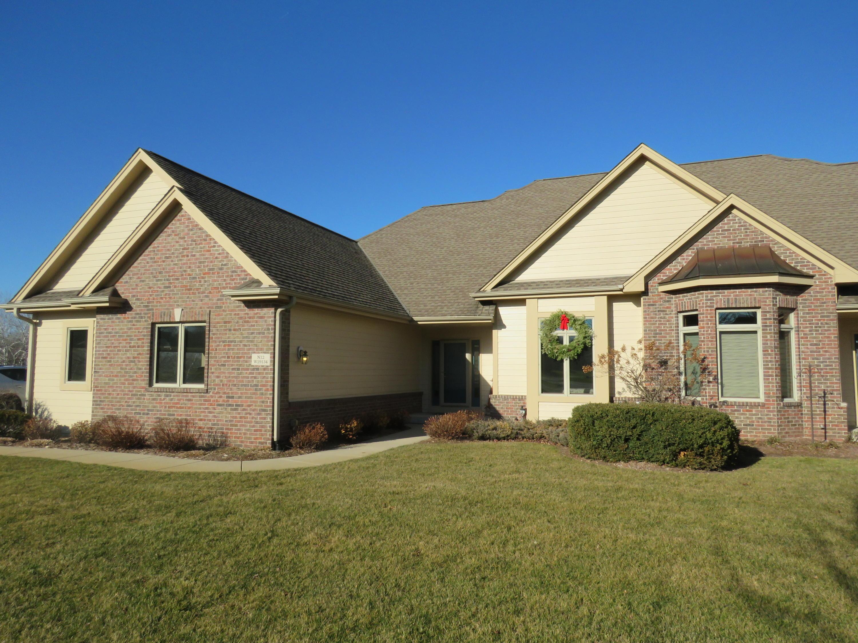 N12W29134 Creekside Ct, Delafield, Wisconsin 53188, 3 Bedrooms Bedrooms, 8 Rooms Rooms,3 BathroomsBathrooms,Condominiums,For Sale,Creekside Ct,1,1720738