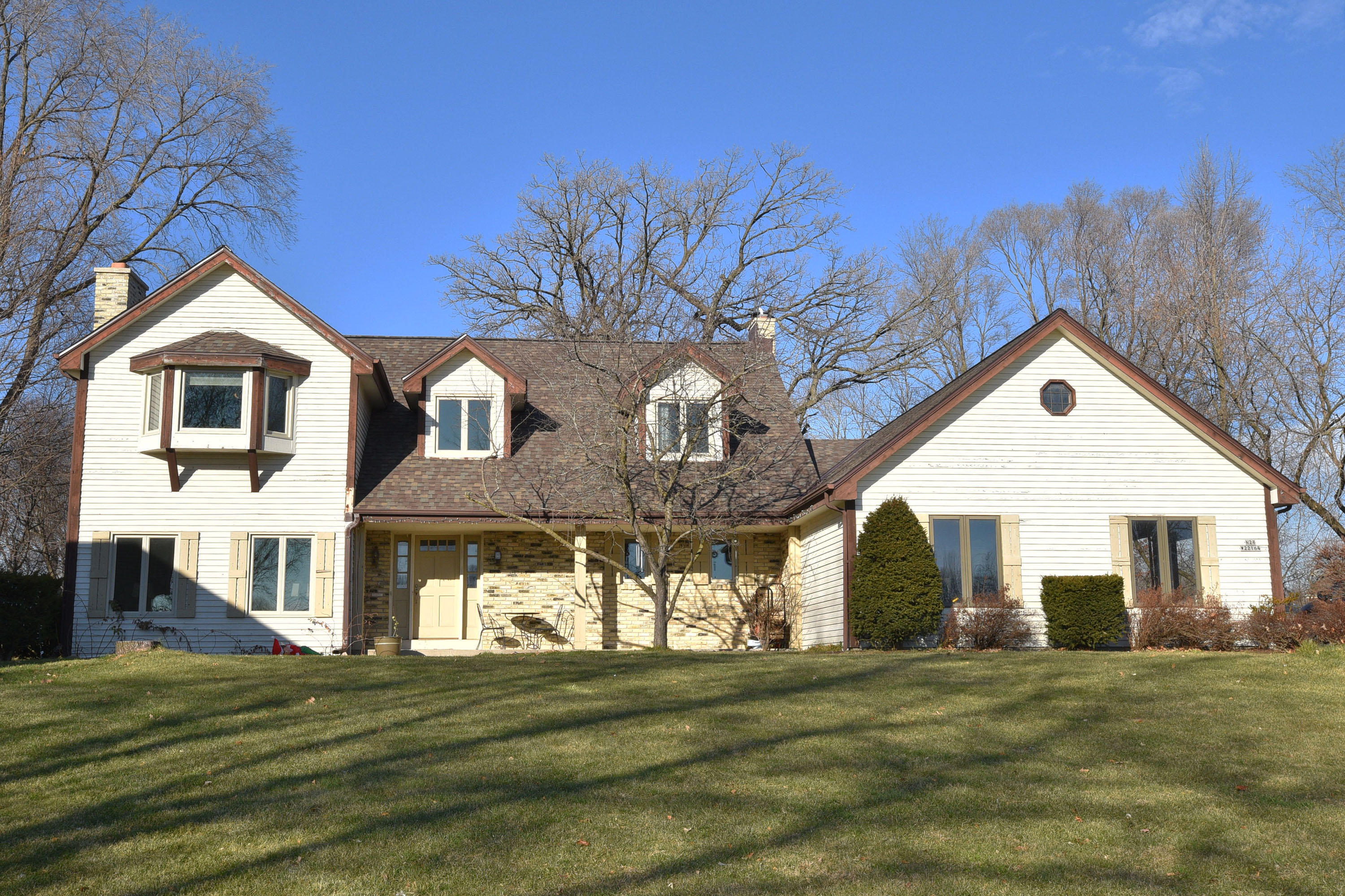 N28W22164 Indianwood Ct, Pewaukee, Wisconsin 53186, 4 Bedrooms Bedrooms, ,3 BathroomsBathrooms,Single-Family,For Sale,Indianwood Ct,1720789