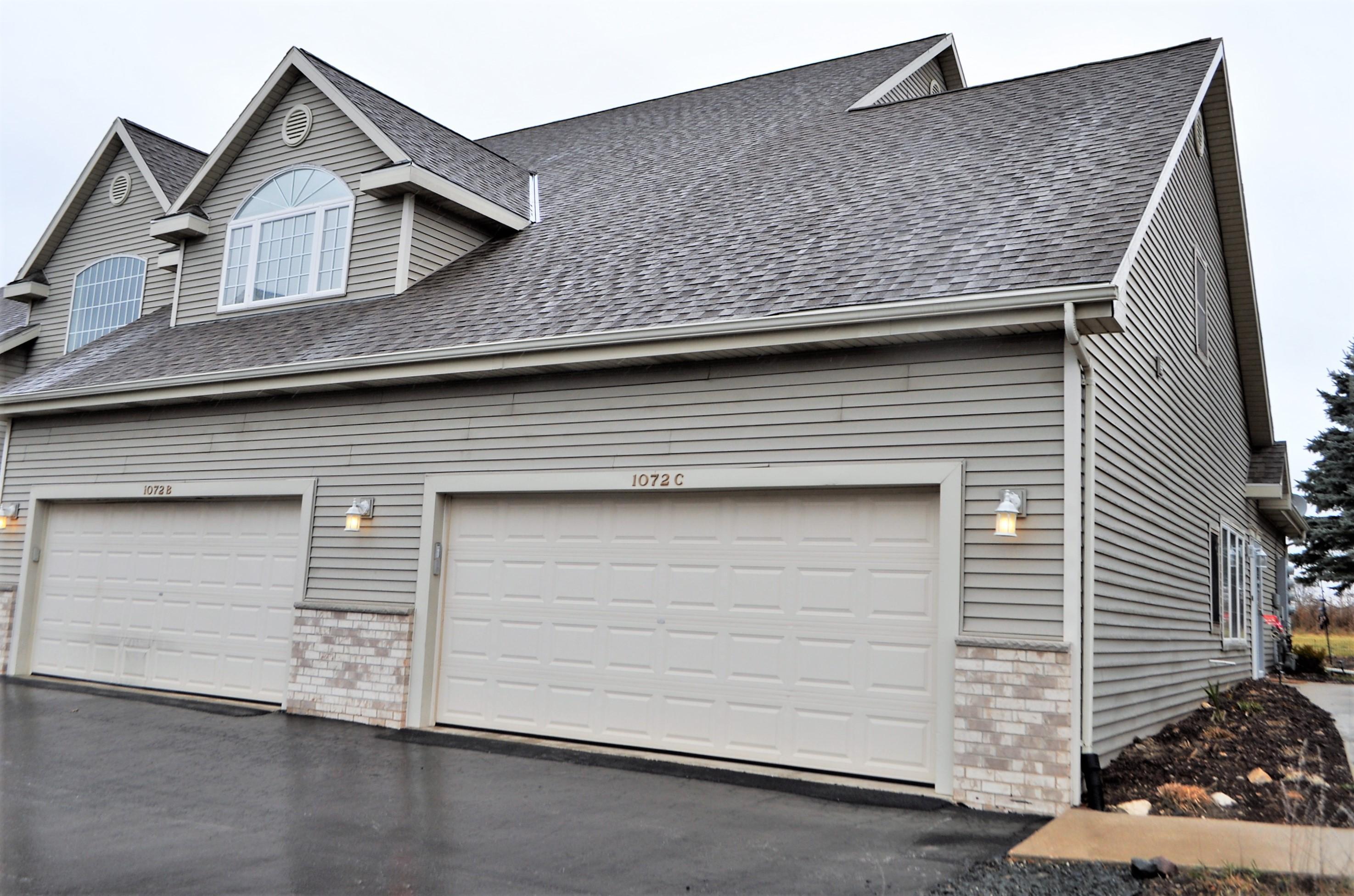 1072 Quinlan Dr, Pewaukee, Wisconsin 53072, 2 Bedrooms Bedrooms, 6 Rooms Rooms,2 BathroomsBathrooms,Condominiums,For Sale,Quinlan Dr,1,1721236