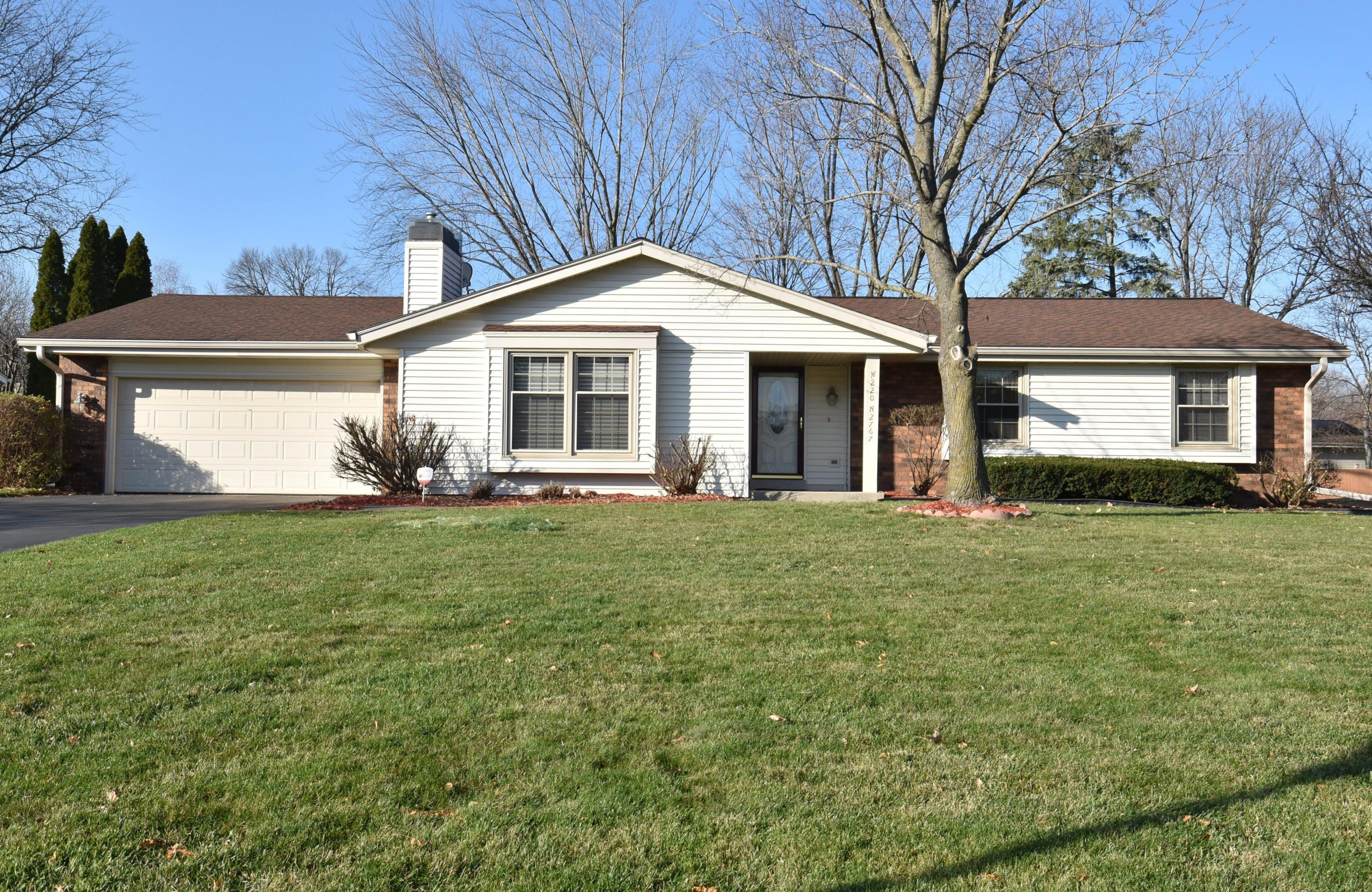 W220N2767 Maplewood Ln, Pewaukee, Wisconsin 53186, 3 Bedrooms Bedrooms, ,1 BathroomBathrooms,Single-Family,For Sale,Maplewood Ln,1721999