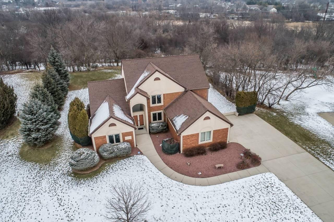 1164 Majestic View Ln, Oconomowoc, Wisconsin 53066, 3 Bedrooms Bedrooms, 10 Rooms Rooms,3 BathroomsBathrooms,Single-Family,For Sale,Majestic View Ln,1722041