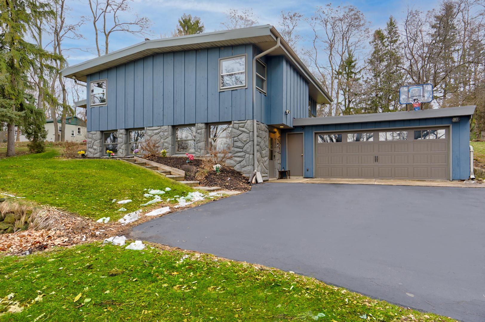 N40W27780 Glacier Rd, Pewaukee, Wisconsin 53072, 3 Bedrooms Bedrooms, ,2 BathroomsBathrooms,Single-Family,For Sale,Glacier Rd,1720120