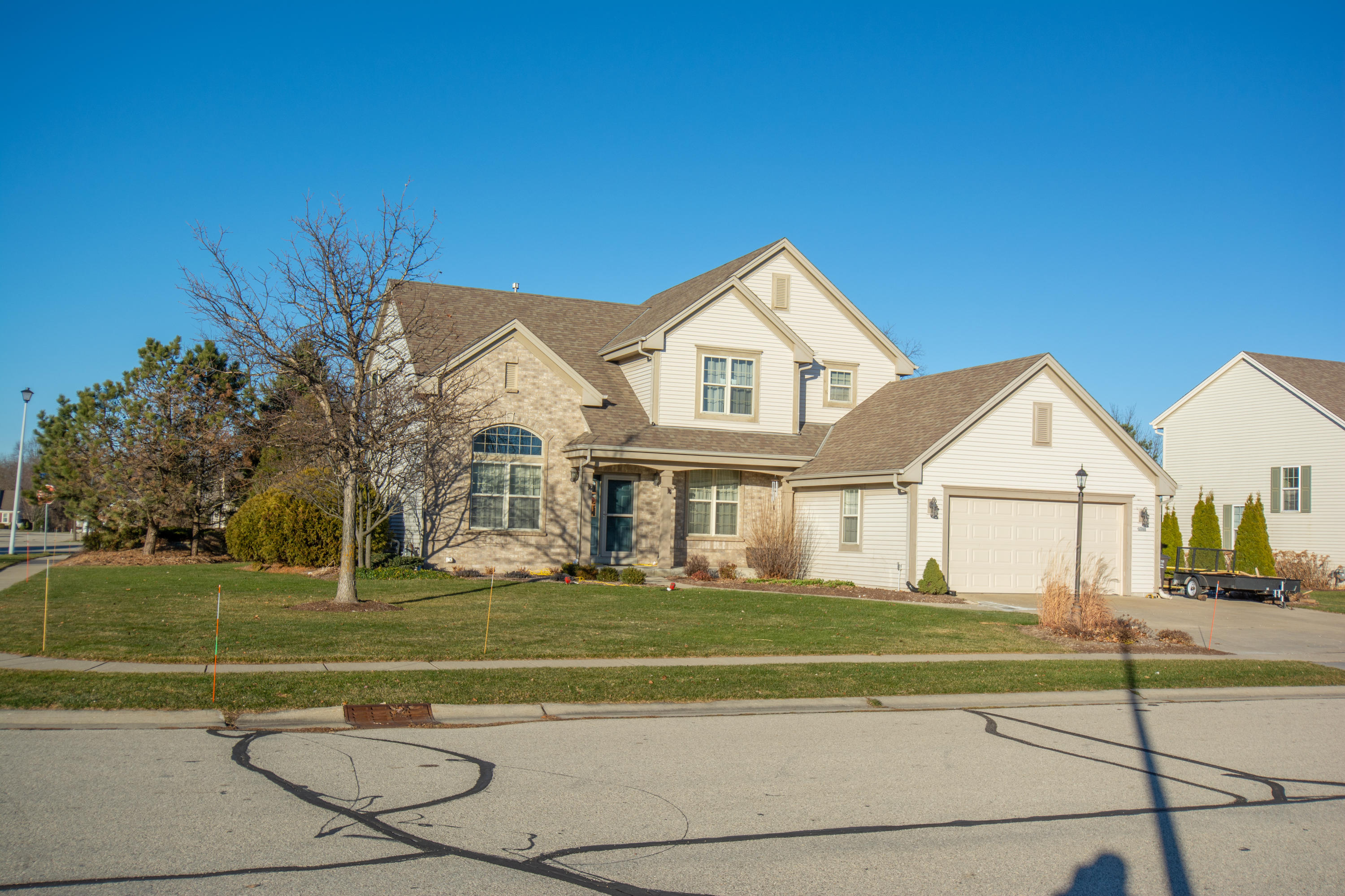 1262 Redwing Dr, Oconomowoc, Wisconsin 53066, 4 Bedrooms Bedrooms, ,2 BathroomsBathrooms,Single-Family,For Sale,Redwing Dr,1723365