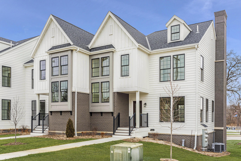 411 Wells St, Delafield, Wisconsin 53018, 8 Bedrooms Bedrooms, ,8 BathroomsBathrooms,Condominiums,For Sale,Wells St,1,1722738