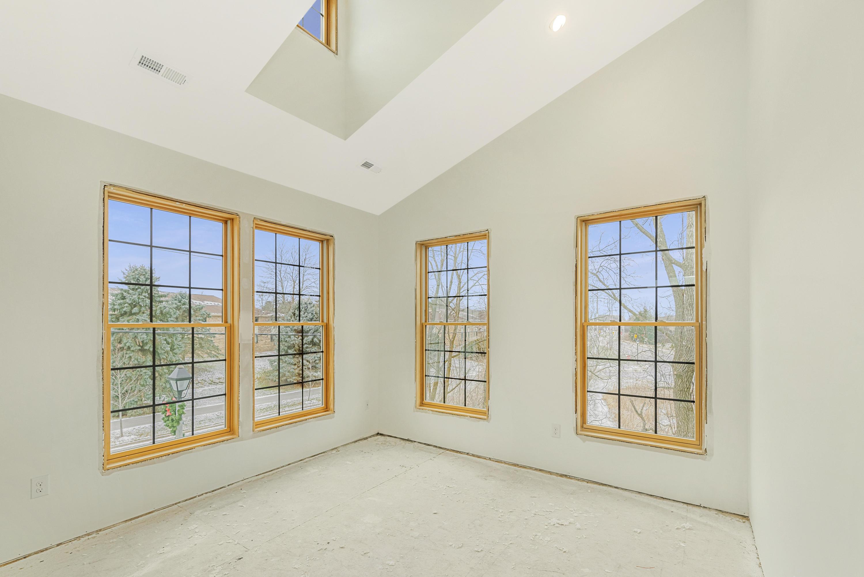 413 Wells St, Delafield, Wisconsin 53018, 2 Bedrooms Bedrooms, 5 Rooms Rooms,2 BathroomsBathrooms,Condominiums,For Sale,Wells St,1,1722740