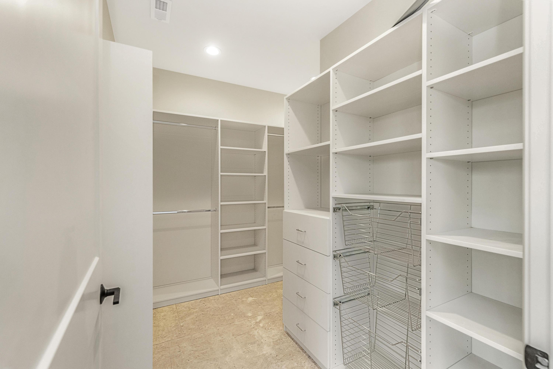 417 Wells St, Delafield, Wisconsin 53018, 2 Bedrooms Bedrooms, 5 Rooms Rooms,2 BathroomsBathrooms,Condominiums,For Sale,Wells St,1,1722741