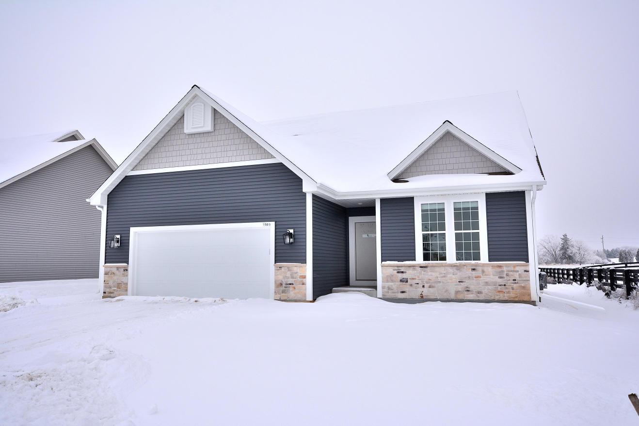 1501 Rosewood Pass, Oconomowoc, Wisconsin 53066, 2 Bedrooms Bedrooms, 6 Rooms Rooms,2 BathroomsBathrooms,Single-Family,For Sale,Rosewood Pass,1723037