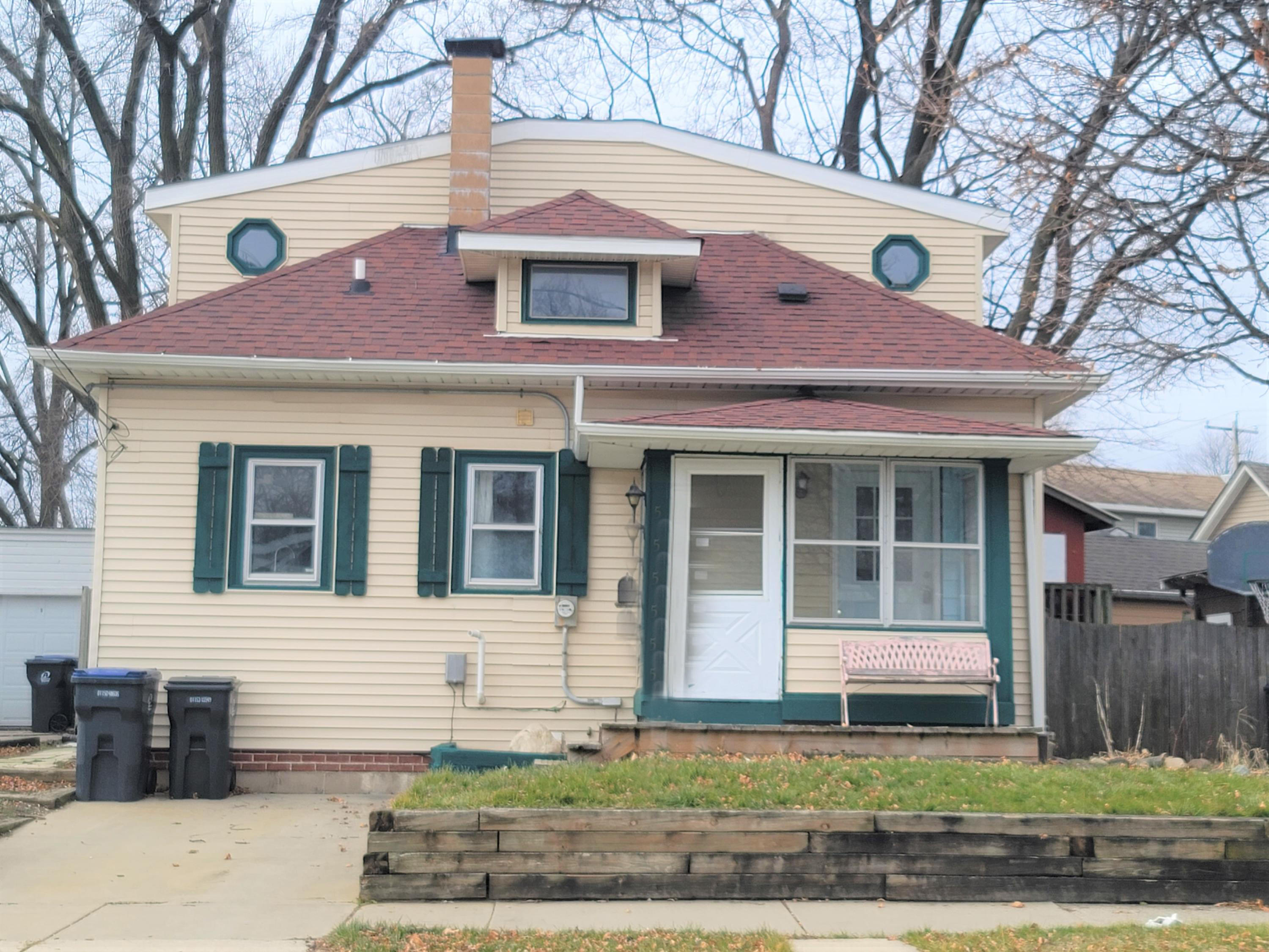 512 Oakland Ave, Waukesha, Wisconsin 53186, 2 Bedrooms Bedrooms, 5 Rooms Rooms,1 BathroomBathrooms,Single-Family,For Sale,Oakland Ave,1723075