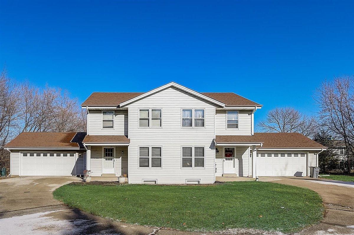 18980 Emerald Dr, Brookfield, Wisconsin 53045, 3 Bedrooms Bedrooms, 9 Rooms Rooms,1 BathroomBathrooms,Two-Family,For Sale,Emerald Dr,1,1723089