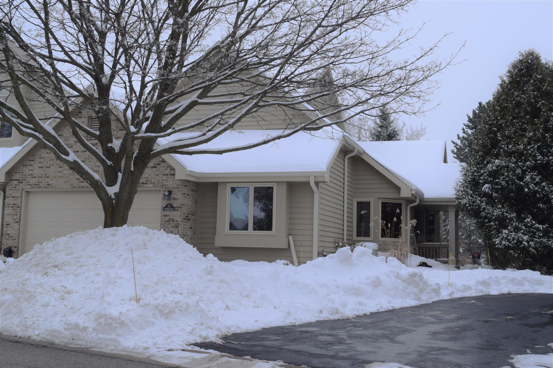N21W24113 Dorchester Dr, Pewaukee, Wisconsin 53072, 2 Bedrooms Bedrooms, 8 Rooms Rooms,2 BathroomsBathrooms,Condominiums,For Sale,Dorchester Dr,1,1723336