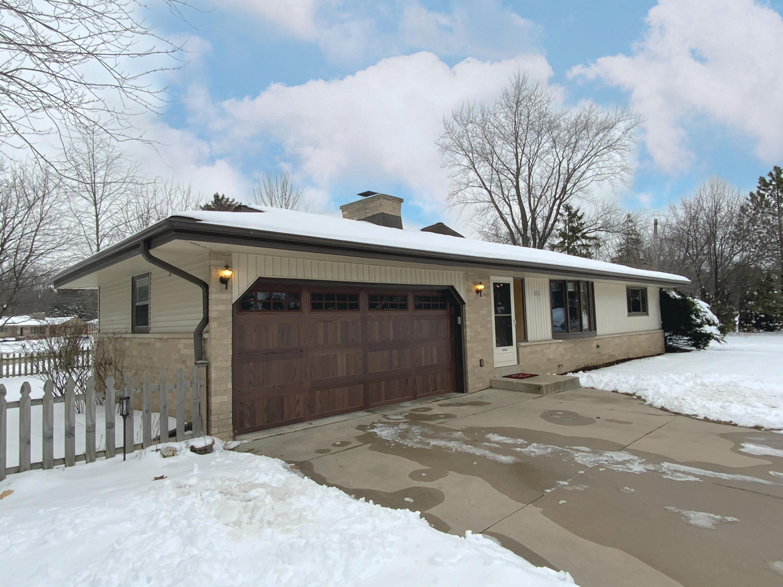 3835 Brook Ln, Brookfield, Wisconsin 53005, 3 Bedrooms Bedrooms, ,1 BathroomBathrooms,Single-Family,For Sale,Brook Ln,1723362