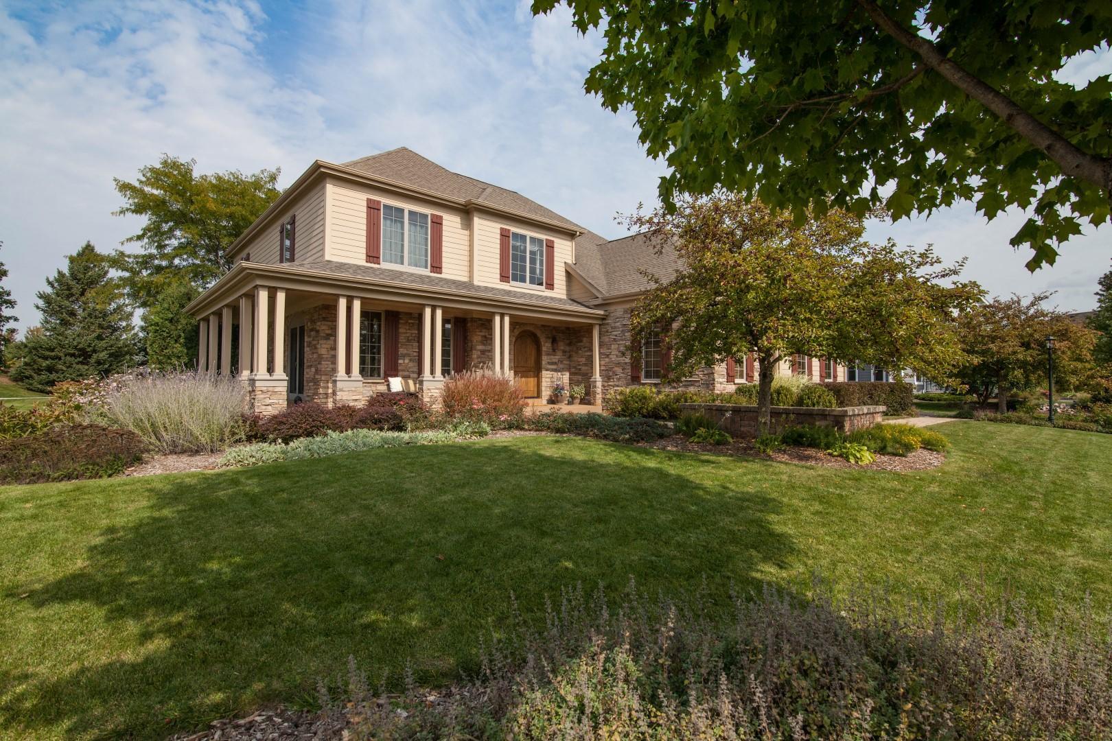 1738 River Lakes Rd N, Oconomowoc, Wisconsin 53066, 4 Bedrooms Bedrooms, ,2 BathroomsBathrooms,Single-Family,For Sale,River Lakes Rd N,1723528