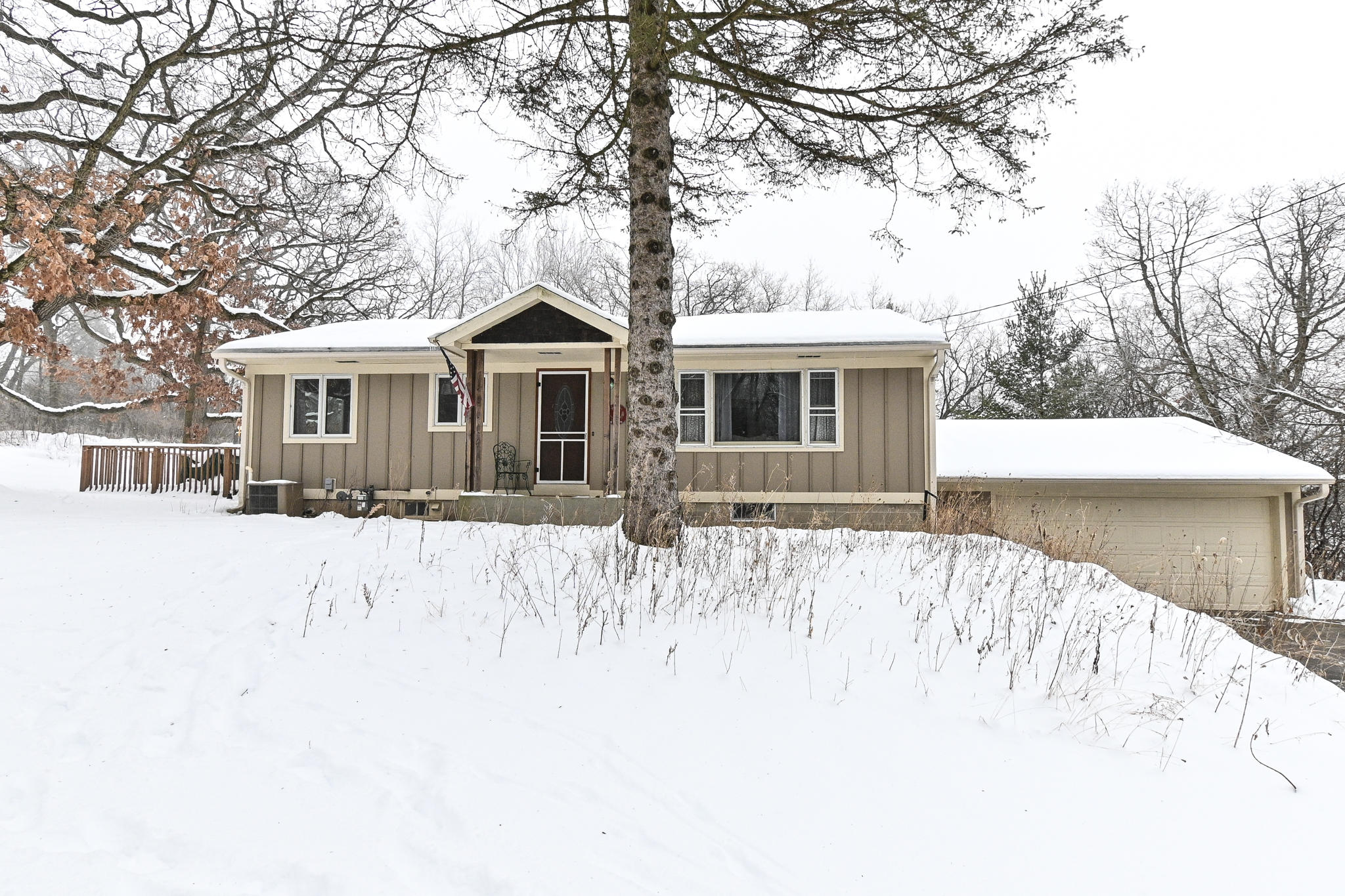 S4W32837 Government Hill Rd, Delafield, Wisconsin 53018, 3 Bedrooms Bedrooms, 6 Rooms Rooms,2 BathroomsBathrooms,Single-Family,For Sale,Government Hill Rd,1724067