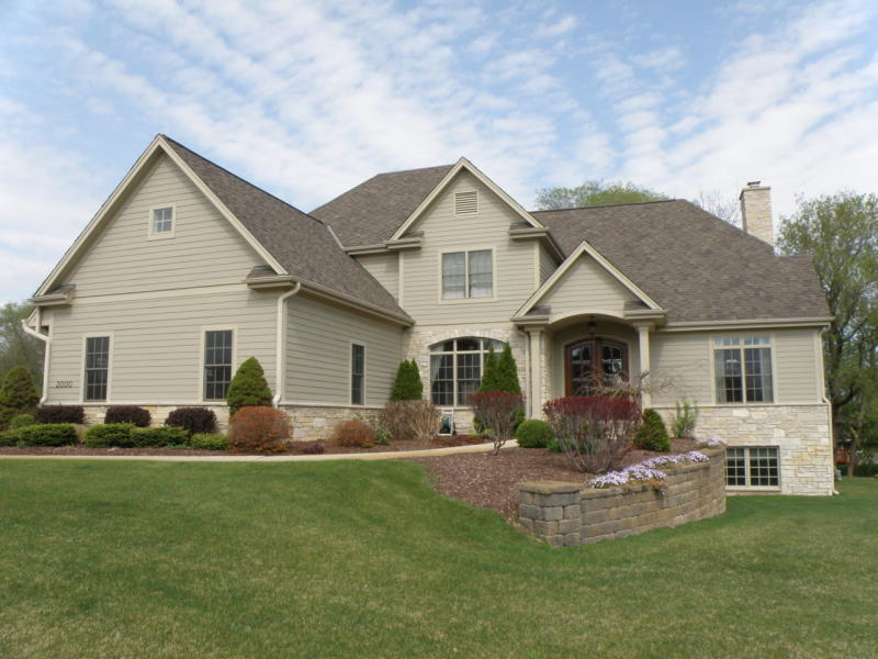 2000 Carriage Hills Dr, Delafield, Wisconsin 53018, 6 Bedrooms Bedrooms, 13 Rooms Rooms,5 BathroomsBathrooms,Single-Family,For Sale,Carriage Hills Dr,1723815