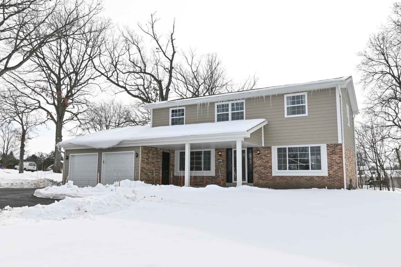 17415 Senlac Ln, Brookfield, Wisconsin 53045, 4 Bedrooms Bedrooms, ,2 BathroomsBathrooms,Single-Family,For Sale,Senlac Ln,1723467