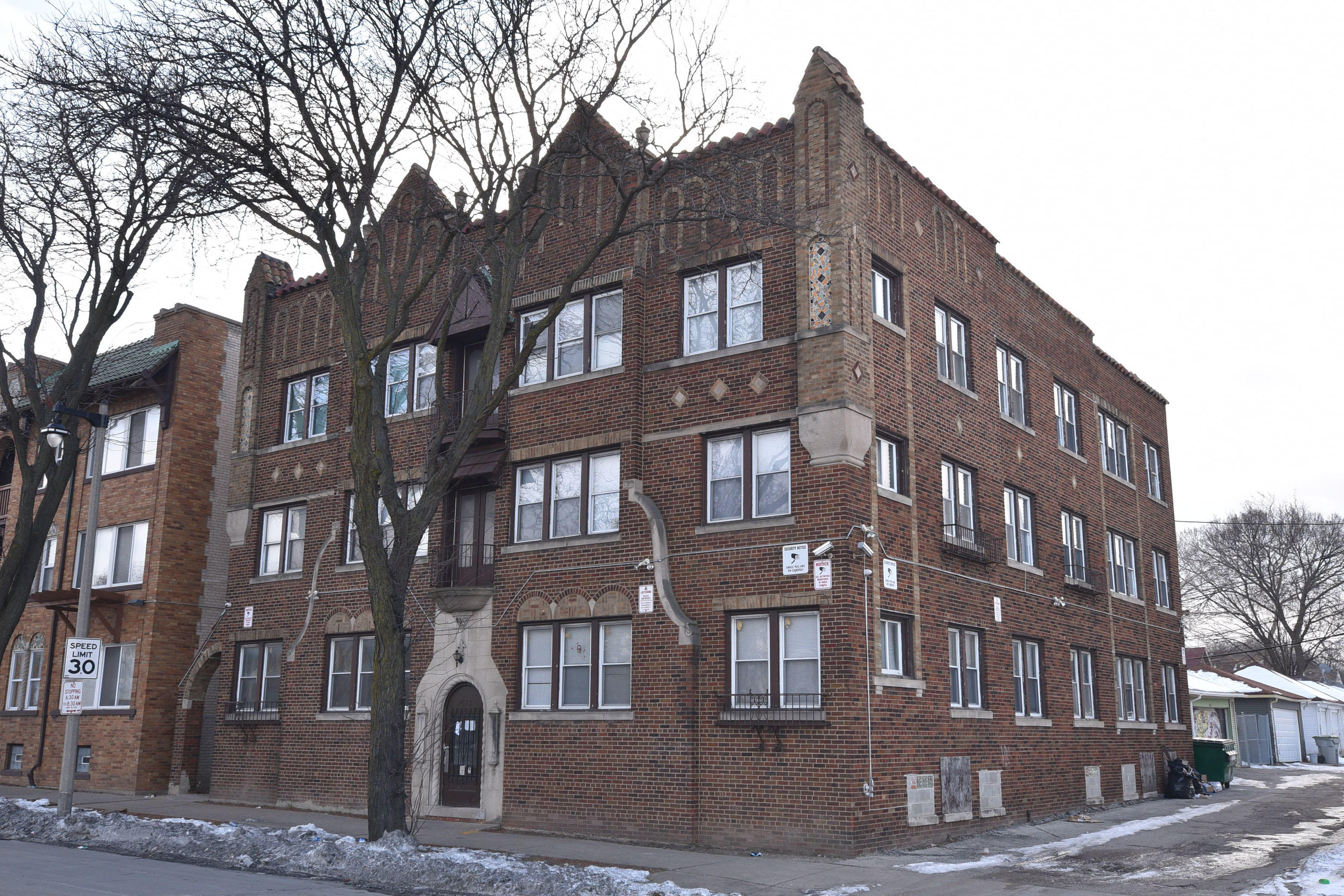 2613 Capitol Dr, Milwaukee, Wisconsin 53206, ,Multi-Family Investment,For Sale,Capitol Dr,1724959