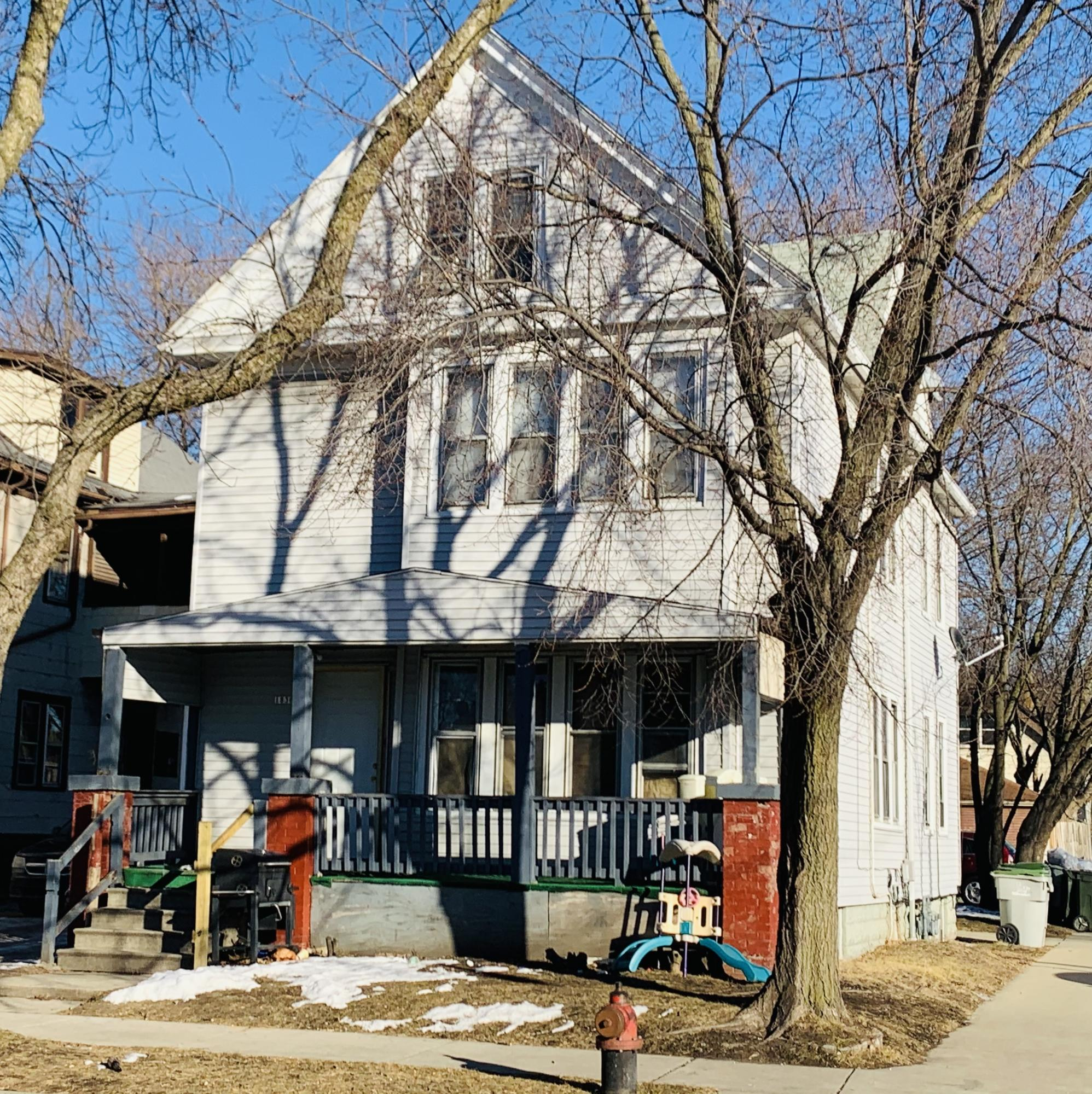 1836 18th St, Milwaukee, Wisconsin 53204, 2 Bedrooms Bedrooms, 5 Rooms Rooms,1 BathroomBathrooms,Two-Family,For Sale,18th St,1,1724996