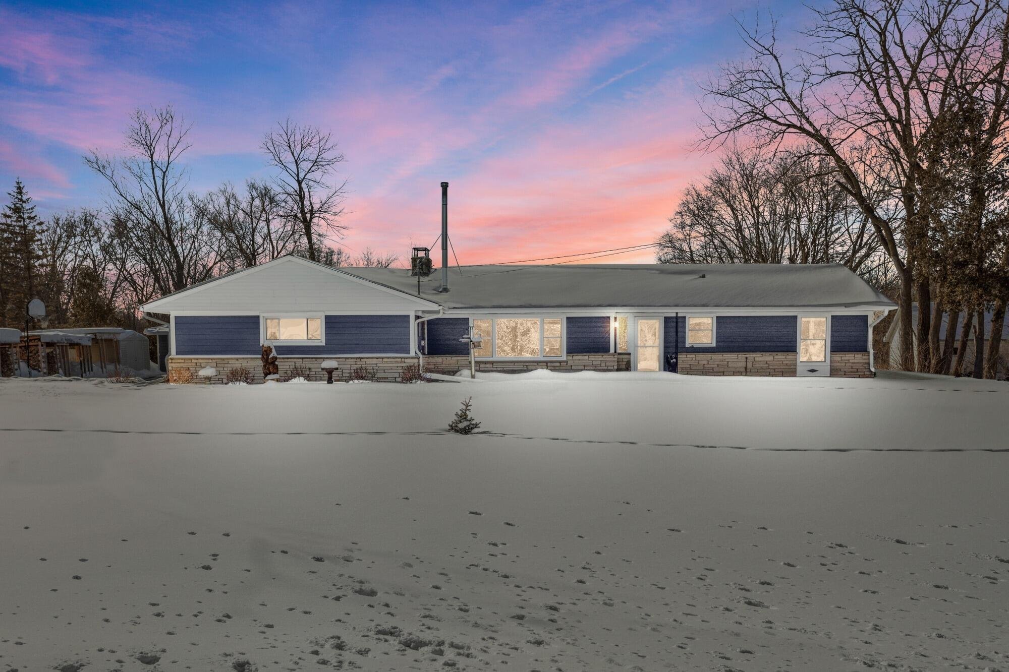 3179 County Road W