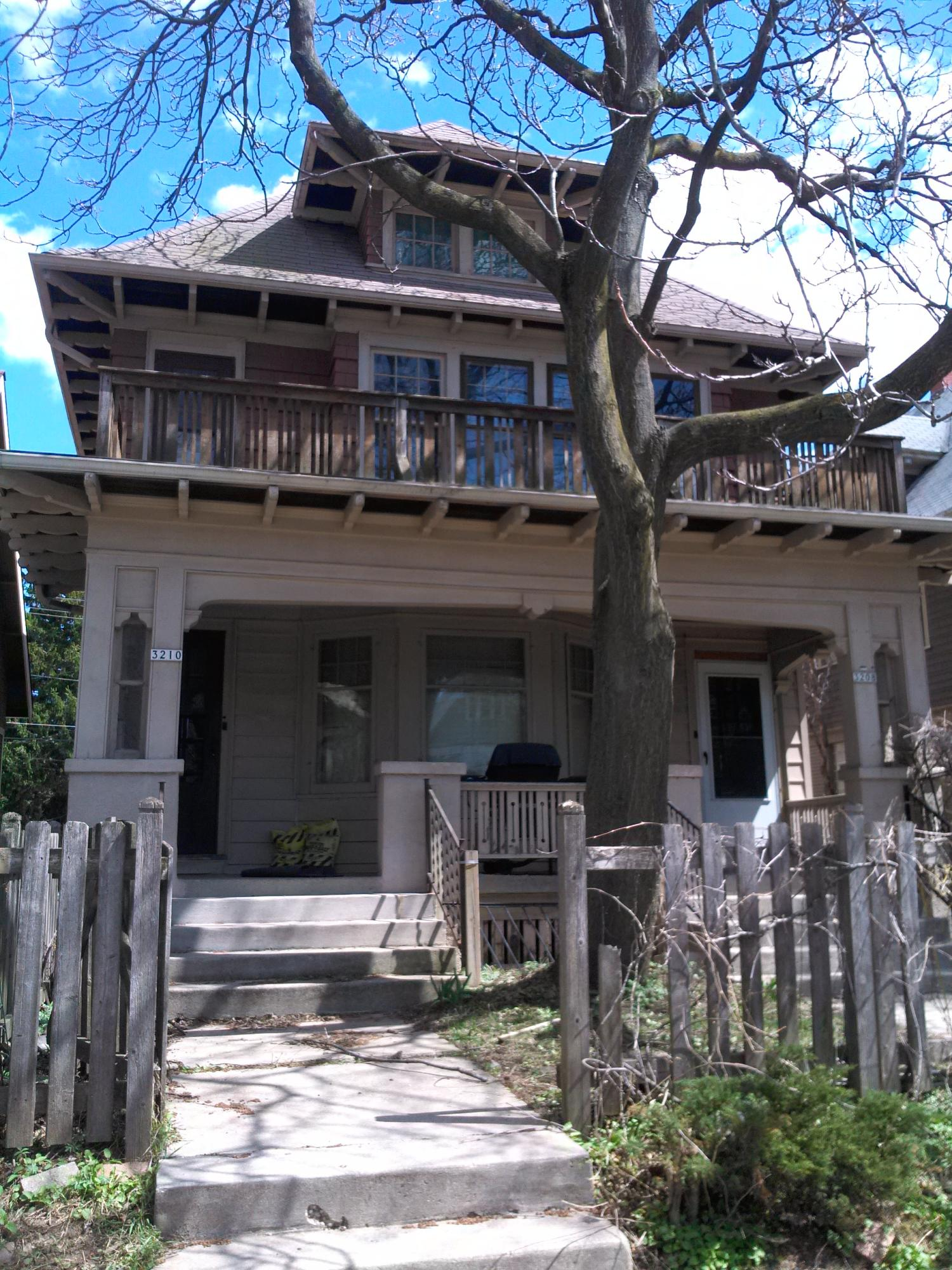 Photo of 3208 N Oakland Ave #3210, Milwaukee, WI 53211