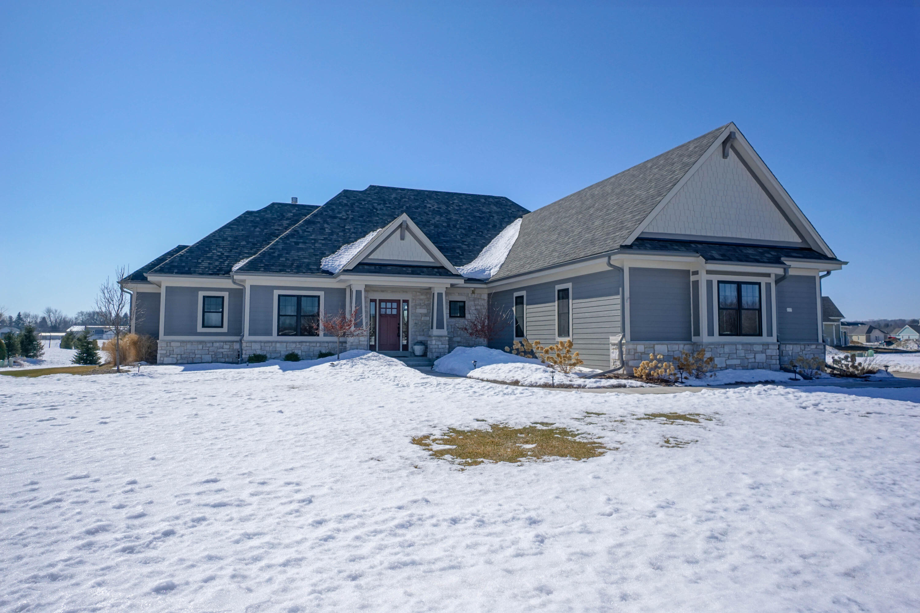 217 Four Winds Ct, Hartland, Wisconsin 53029, 4 Bedrooms Bedrooms, 12 Rooms Rooms,3 BathroomsBathrooms,Single-Family,For Sale,Four Winds Ct,1729063