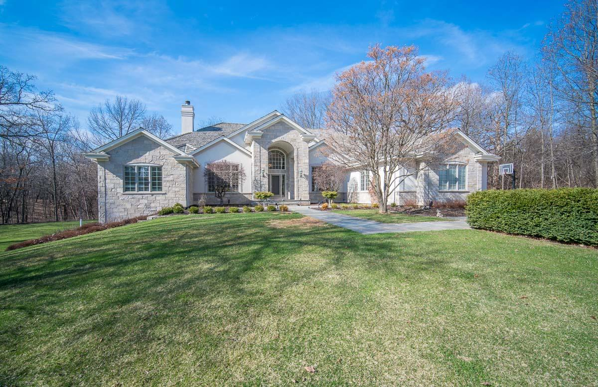 W305N2974 Red Oak Ct, Delafield, Wisconsin 53072, 5 Bedrooms Bedrooms, 17 Rooms Rooms,4 BathroomsBathrooms,Single-Family,For Sale,Red Oak Ct,1734501