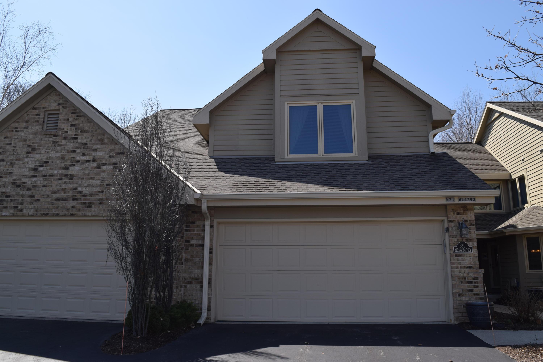 N21W24393 Cumberland Dr, Pewaukee, Wisconsin 53072, 2 Bedrooms Bedrooms, ,2 BathroomsBathrooms,Condominiums,For Sale,Cumberland Dr,1,1733439