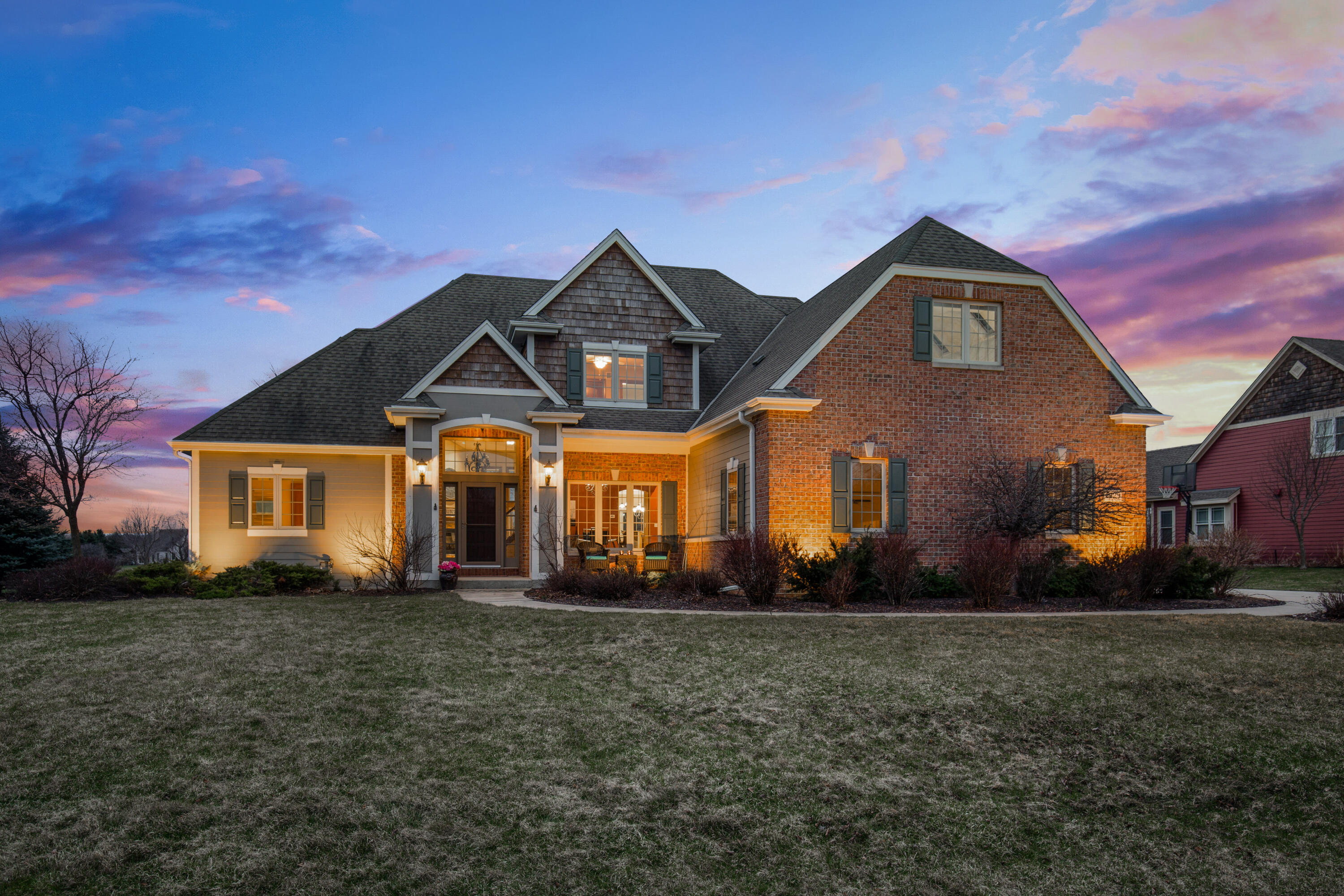 1229 Four Winds Way, Hartland, Wisconsin 53029, 5 Bedrooms Bedrooms, ,3 BathroomsBathrooms,Single-Family,For Sale,Four Winds Way,1733011