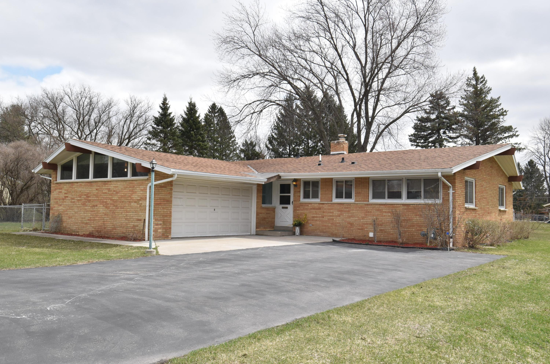 20385 Scarlet Hawthorne Rd, Brookfield, Wisconsin 53045, 3 Bedrooms Bedrooms, 6 Rooms Rooms,1 BathroomBathrooms,Single-Family,For Sale,Scarlet Hawthorne Rd,1734330