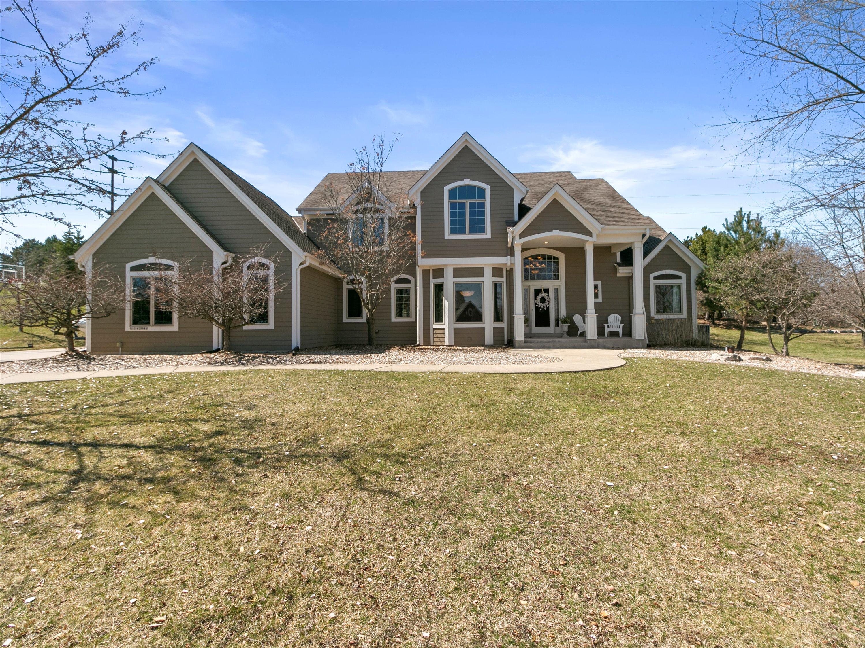 N15W29986 Brookstone Cir, Delafield, Wisconsin 53072, 4 Bedrooms Bedrooms, 9 Rooms Rooms,3 BathroomsBathrooms,Single-Family,For Sale,Brookstone Cir,1733919