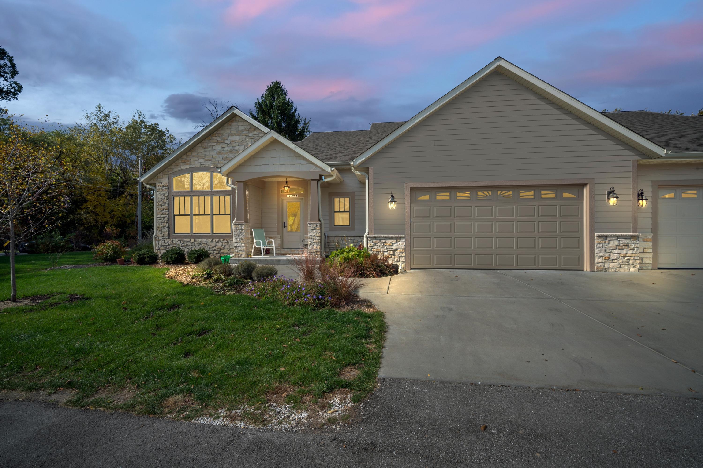 18140 Hoffman Ave, Brookfield, Wisconsin 53045, 3 Bedrooms Bedrooms, ,3 BathroomsBathrooms,Condominiums,For Sale,Hoffman Ave,1,1734430