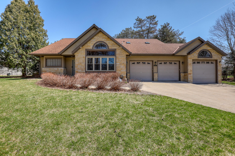 910 Egan Rd, Brookfield, Wisconsin 53045, 4 Bedrooms Bedrooms, 10 Rooms Rooms,3 BathroomsBathrooms,Single-Family,For Sale,Egan Rd,1734081